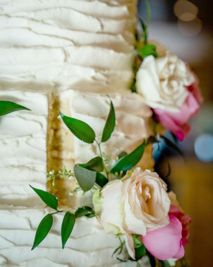 Harmony Club, adk, cake, wedding, buttercream, reception, cake slice, NY, upstate, the fancy cake box