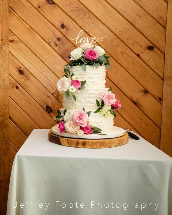 buttercream, flowers, wedding, cake, adk, harmony wedding, love, rustic, the fancy cake box