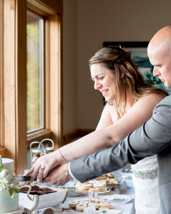 Cake, adk, wedding, buttercream, gum paste, reception, Lake Placid Club, NY, upstate, the fancy cake box