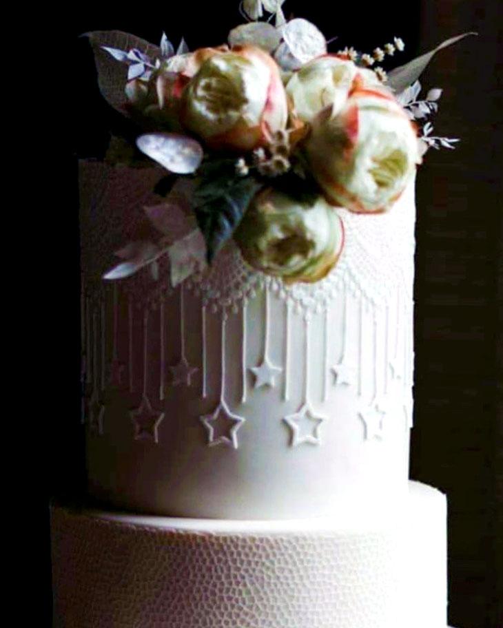 lace, elegant, cake, wedding, white, flowers, River Ranch, NY, Adirondacks, ADK, the fancy cake box