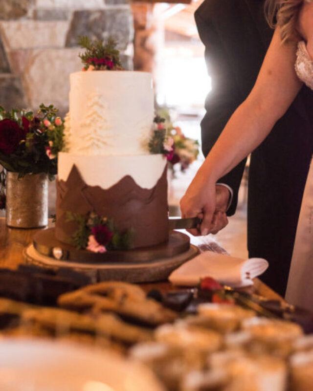 lake placd, NY, bespoke, beautiful, elegant wedding, designer, the fancy cake box
